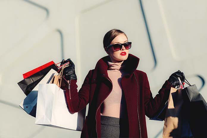 Jak kupować na wyprzedażach w galeriach handlowych w Warszawie