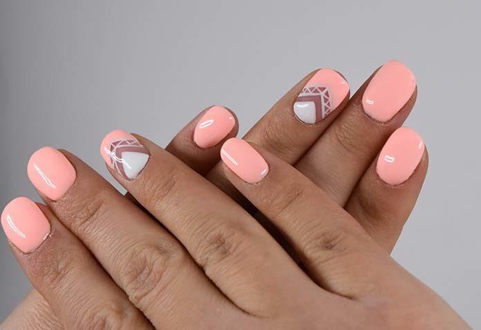 Odnowa paznokci - czy zawsze robić ją od podstaw?
